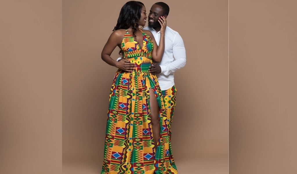 african-couple-in-kente-clothes-couple-africain-en-kente-african-couple-with-traditional-clothes-kemi-couple-african-attire-african-outfit