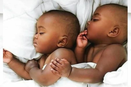 bebe noir-jumeaux-africains-african-twins-black-babies-black-twins-black-kid