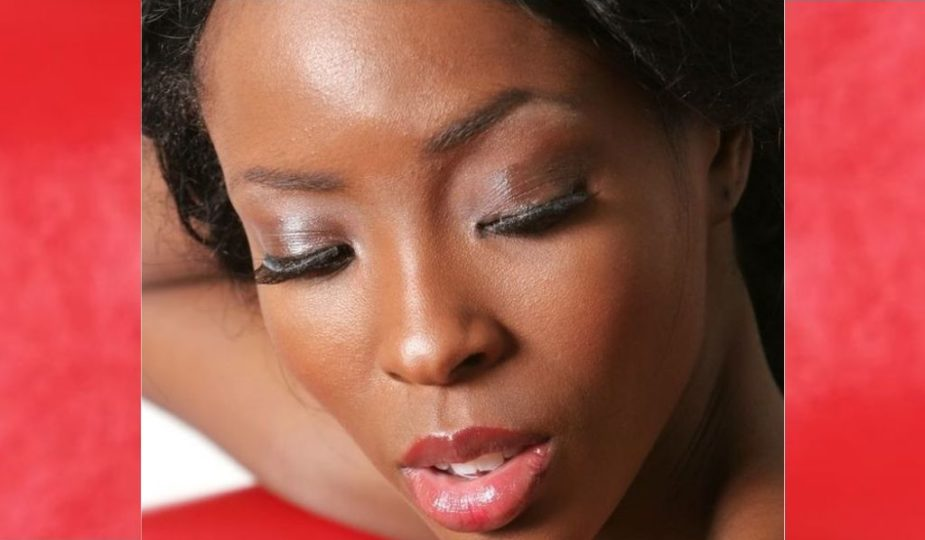 beauté visage portrait femme noire make-up maquillage