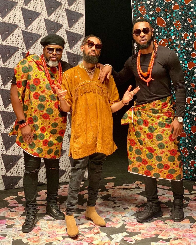 DZALEU.COM : African Lifestyle Magazine - Afrobeat, musique africaine : Flavour Nabania en pagne(Nigeria)