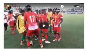 Football féminin : Les Harambee Starlets du Kénya fêtant la CECAFA sous le morceau Sitya Loss (Eddy Kenzo)