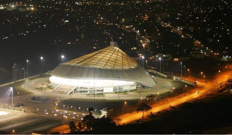 Yaoundé by night : Le Palais Polyvalent des Sports de Yaoundé (Paposy)